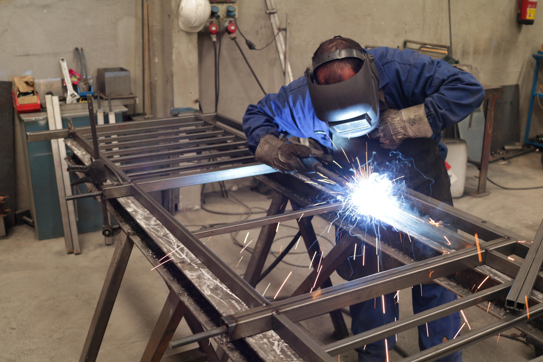 Empresa de calñderería y fabricacion con metales